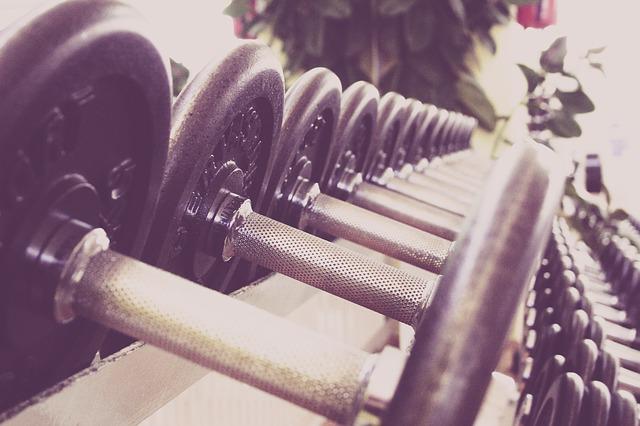 나이가 들면 단백질의 합성 및 흡수율이 줄어 자신의 몸무게((㎏)만큼의 단백질 양을 그램 단위로 매일 섭취하는 게 좋다.
